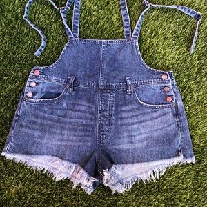 Free people strapped short
